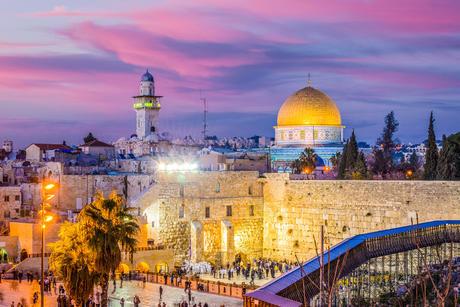 טיסה במסוק מעל ירושלים